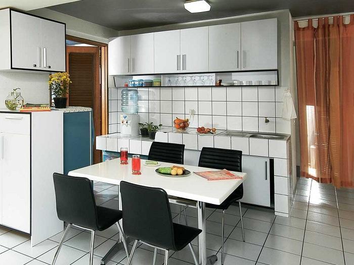 Уютный интерьер в котором обраны отличные дизайнерские решения комплексно.