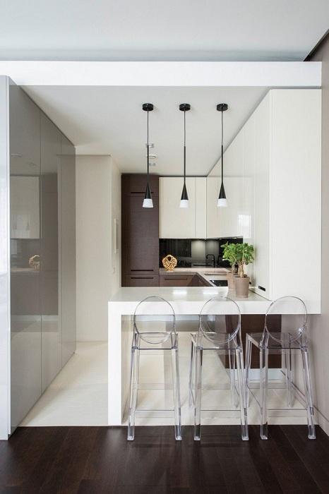 Симпатичное оформление кухни на маленькой жилплощади что создаст своеобразную уютную обстановку.