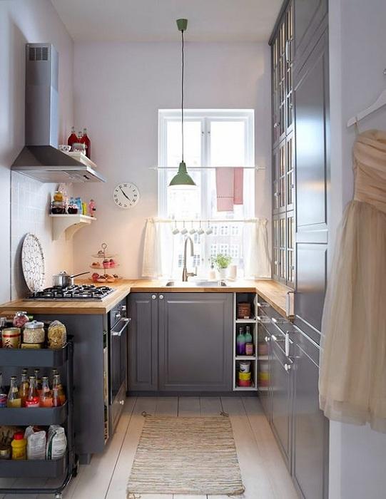 Интересный серый интерьер на кухне позволит подарить интересное настроение и станет удачным решением для декора.