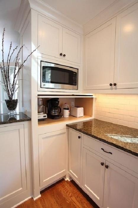 Скрытые пространства на кухне зачастую максимально комфортно и оптимально оформляют, что позволяет оптимизировать пространство.