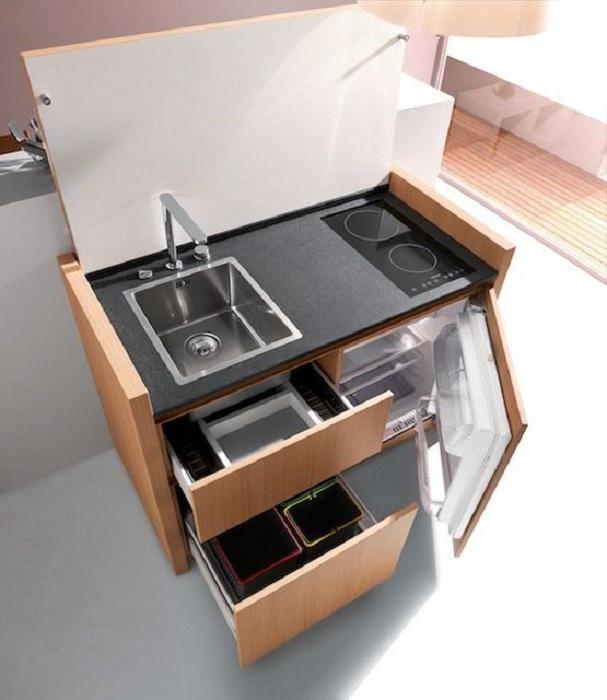 Отличный кухонный стол, который станет просто отменным дополнением к интерьеру и преобразит обстановку.