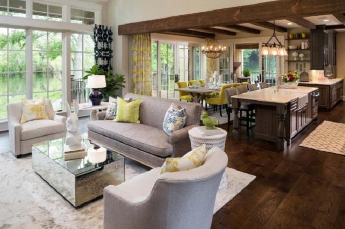 Для экономии пространства возможно совместить гостиную и обеденную зону в комнату-студию.