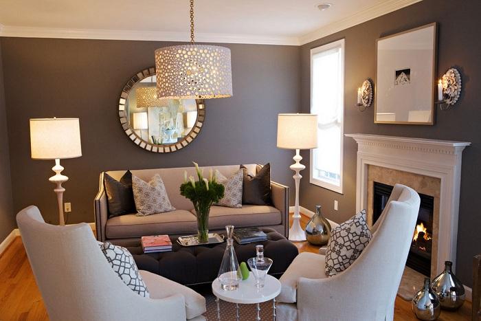 Свободно стоящие светильники хороши в небольших помещениях.