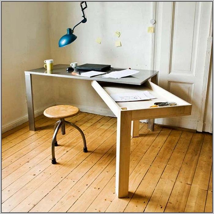 Стол-трансформер станет удачной находкой и пожалуй лучшим из решений для оформления интерьера любой из комнат.