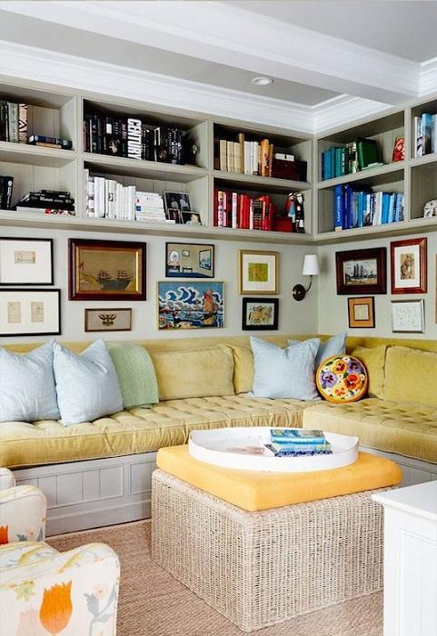 Прекрасный вариант организации пространства в гостиной, то что точно понравится.