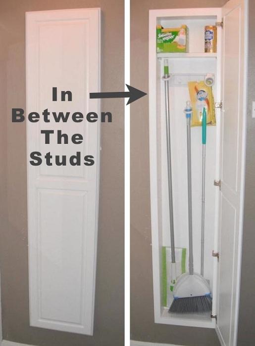 Вариант создать скрытое пространство специально для хранения вещиц для уборки квартиры.