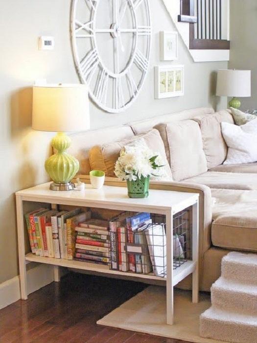 Боковой диван-стол станет просто самым лучшим вариантом для оформления комнаты с необыкновенной обстановкой.