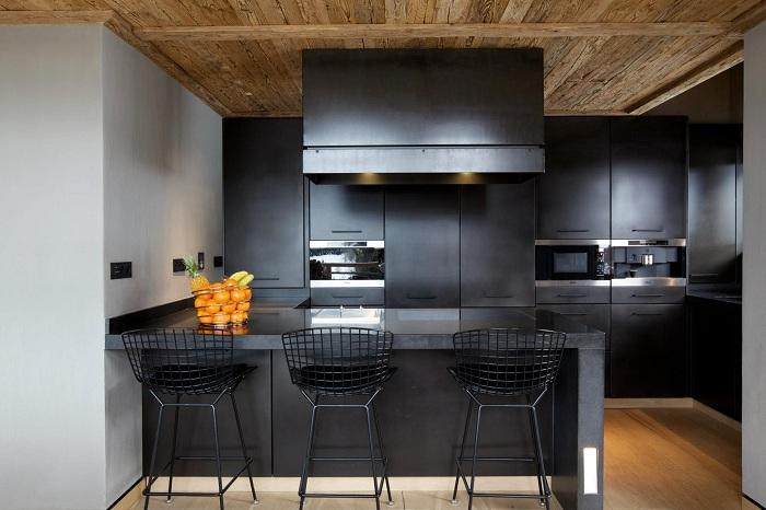 Крутое решение создать необычный интерьер в темном цвете, что вдохновит.