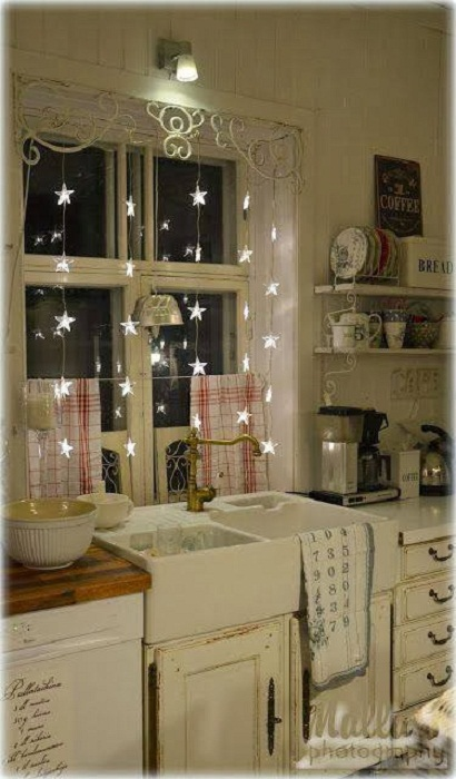 Новогоднее настроение возможно создать даже на кухне.
