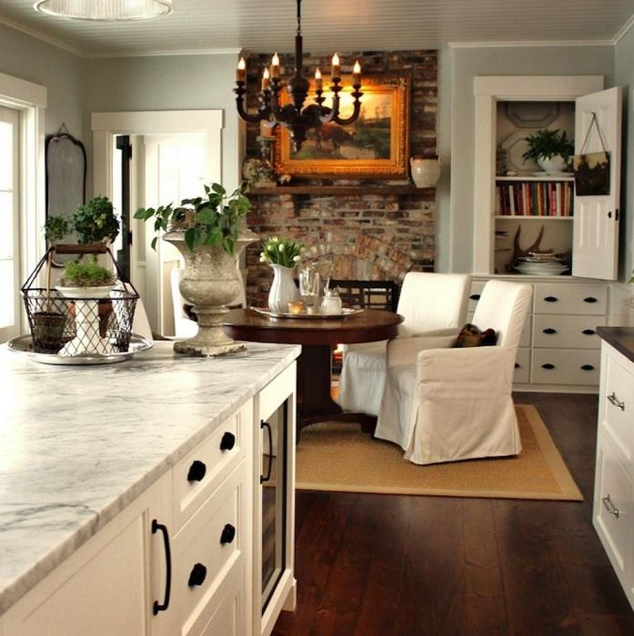Крутое декорирование совмещенных комнат с помощью белых тонов, что создаст легкость и комфорт.