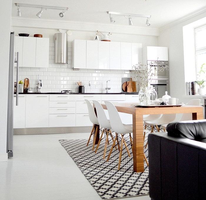 Хорошенький вариант создать крутое оформление и отличное настроение в квартире при помощи объединения комнат.