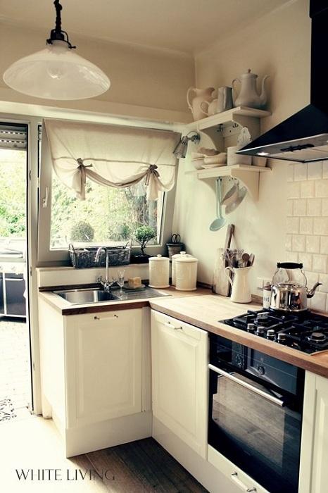 Оригинальная светлая обстановка на кухне, что просто и удачно преобразит общий интерьер.