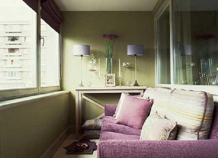 Пожалуй самый лучший вариант оформления гостиной на балконе, что добавит ярких впечатлений.
