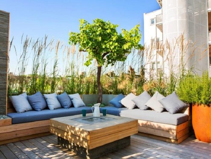 Отличное решение для декорирования крыши специально для отдыха и приятного времяпровождения.