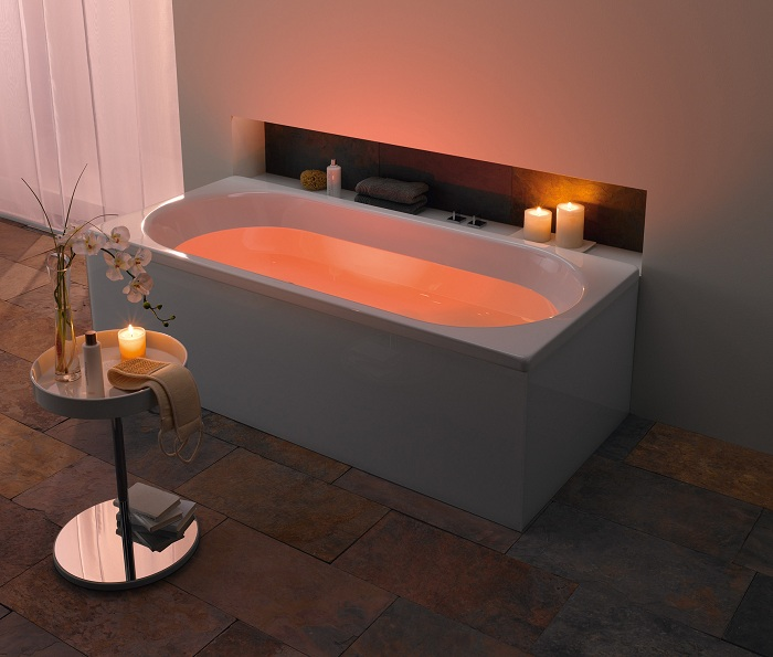 Невероятно яркая ванная, станет просто изюминкой для любого дома, создаст просто нереальную обстановку.