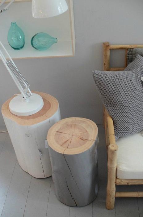 Очень симпатичные деревянные подставки, которые отлично впишутся в интерьер комнаты.