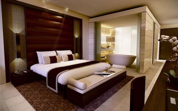 Интерьер спальни преображен за счет цветовой гаммы.