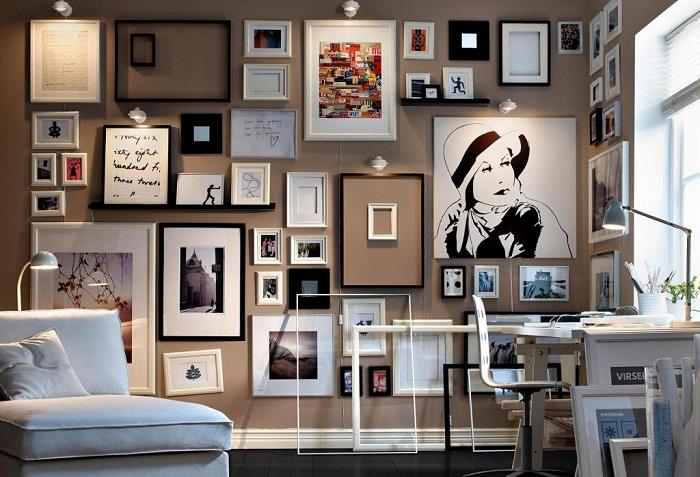 Декор стен рамками станет просто отличным вариантом для преображения любой из комнат.