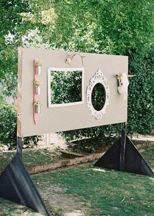Необычное обрамление станет прекрасным моментом в оформлении праздничной свадебной фотосессии.