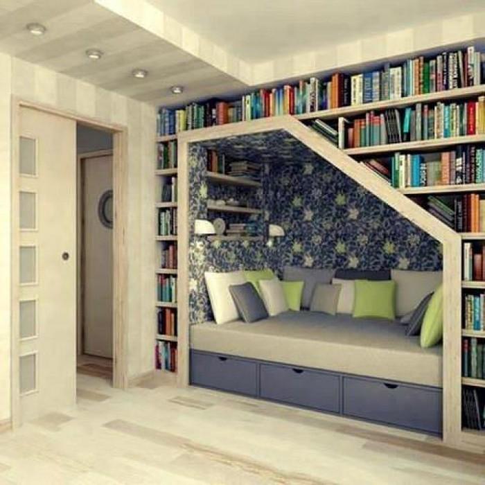 Невозможно пройти через эту комнату и не захотеть остаться в ней читать любимую книгу.