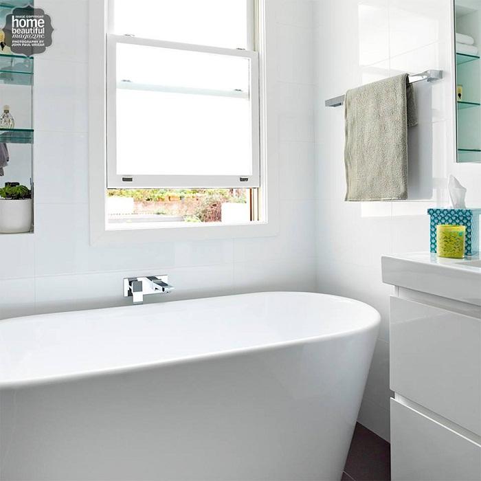 Светлый декор ванной комнаты, что очарует и вдохновит своей легкостью и простотой.