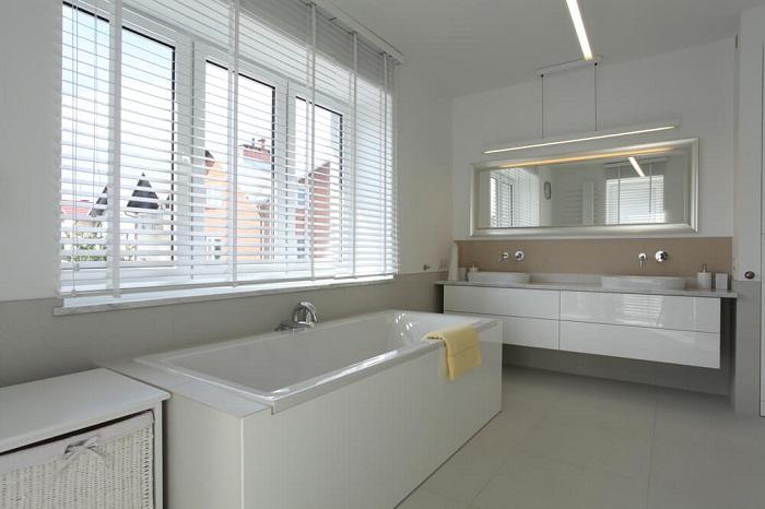 Что может быть лучше чем такое крутое решение, как оформление ванной комнаты в светлых тонах.