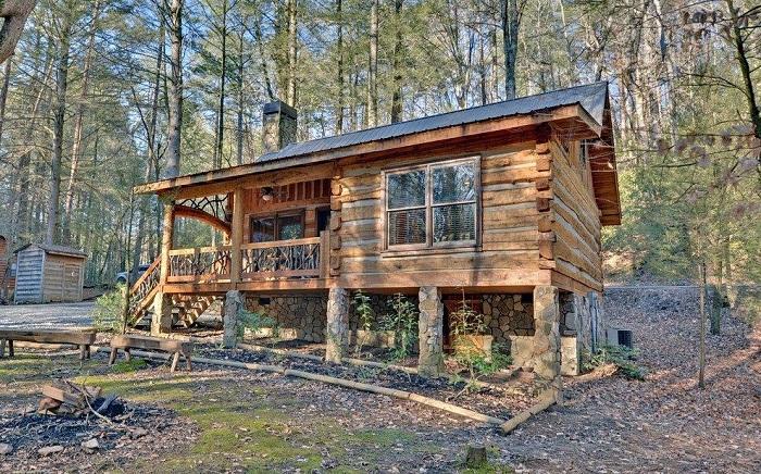 Отличный деревянный домик, который вряд ли оставит равнодушными кого-то.