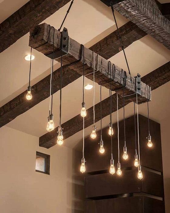 Крутое решение для создания такой невероятной люстры, которая выполнена с множества лампочек, что создает просто невероятные впечатления.