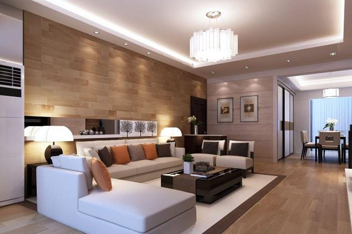 Прекрасный пример удачного декора гостиной с деревянной стеной.