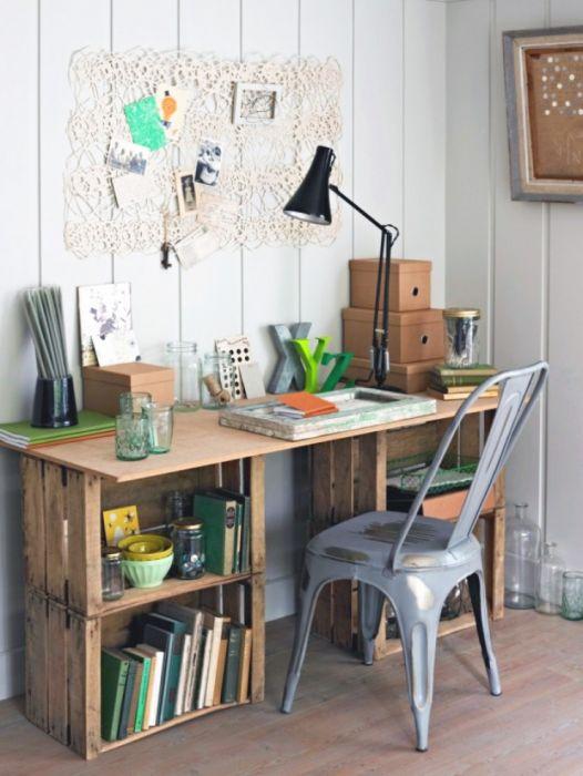 1. Креативный письменный стол