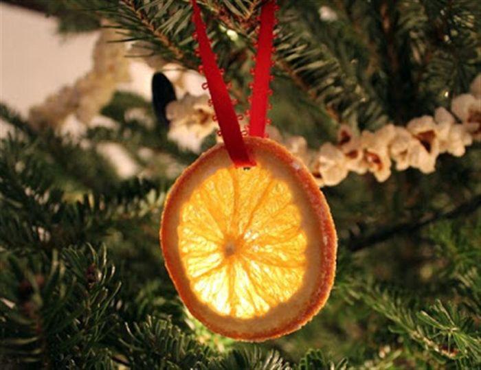 Лимонные дольки вместо ёлочных игрушек