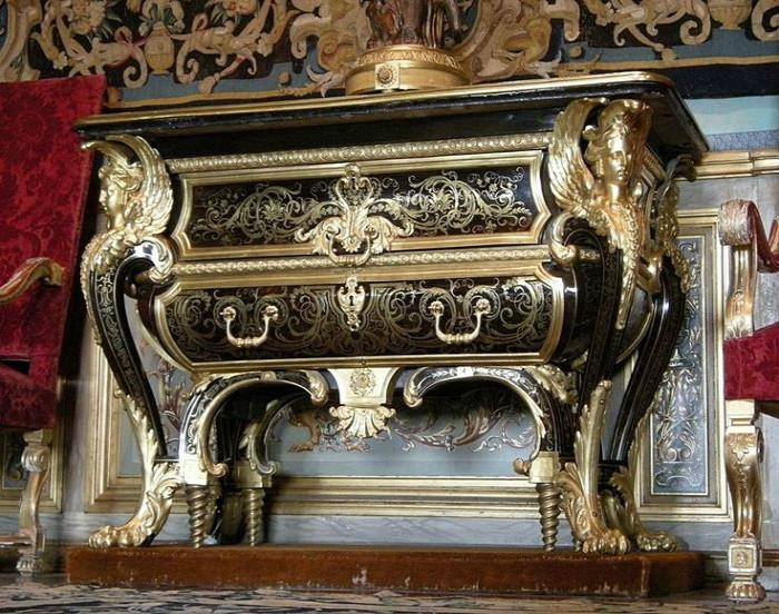 Такой предмет мебели могли позволить только состоятельные особы