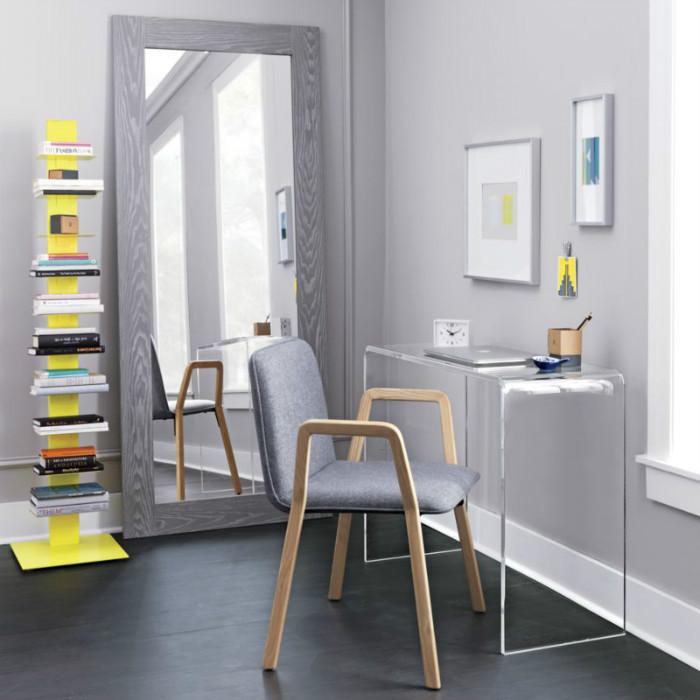 Альтернативный письменный стол облегчит интерьер