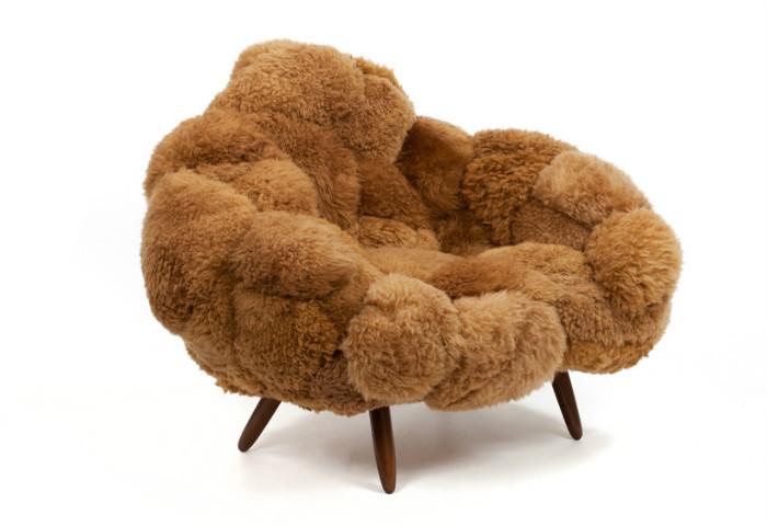 Кресло из дублёнок