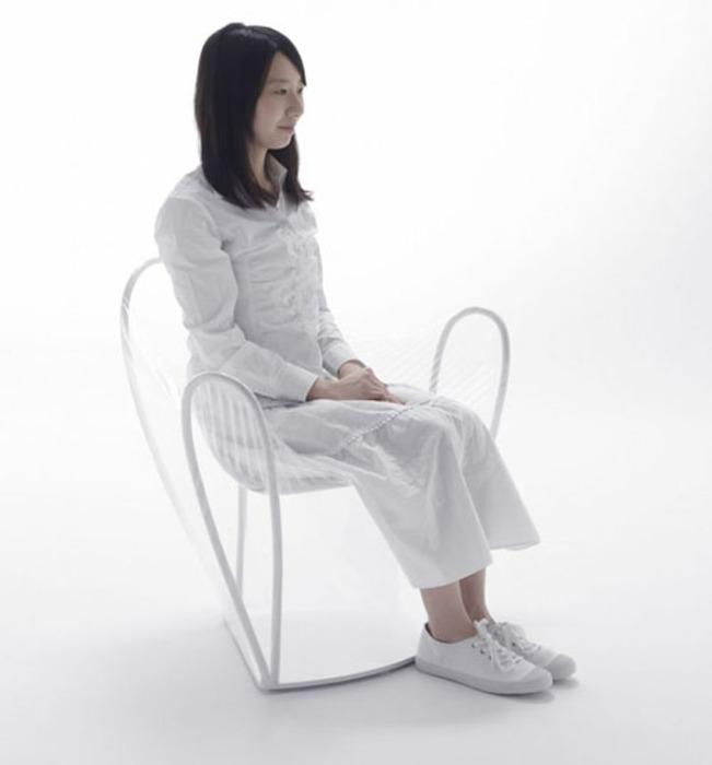 Прозрачное комфортное кресло