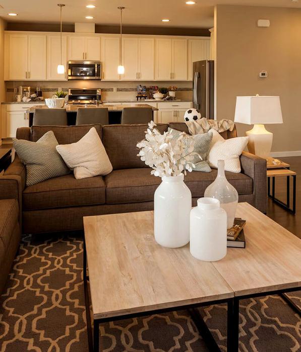 Кухня-гостиная - идеальное решение для многих малогабаритных квартир и домов.
