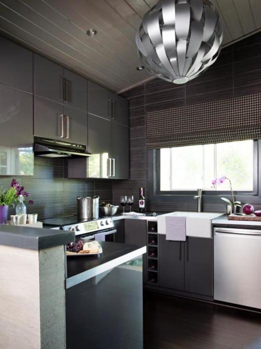 Создать необычный интерьер кухонного помещения в серых тонах с применением хай-тек технологий можно при выборе любого стилистического направления.