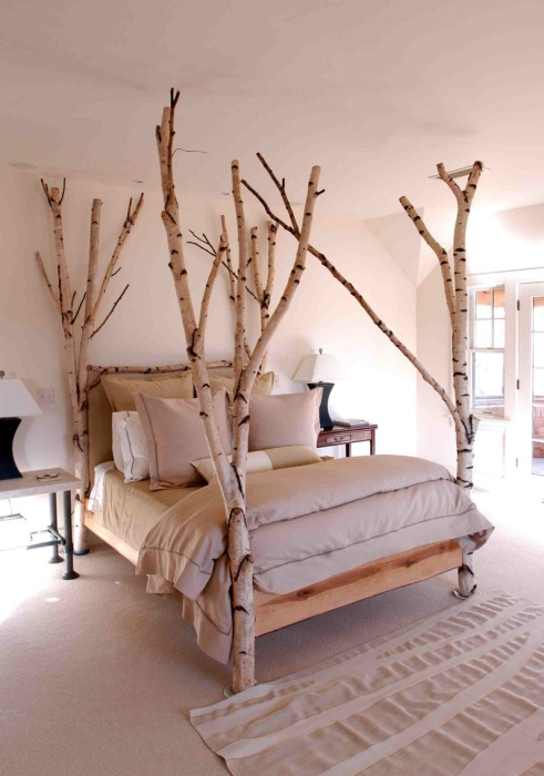 Берёзы вмонтированные в каркас кровати с ламельным основанием под матрасом.