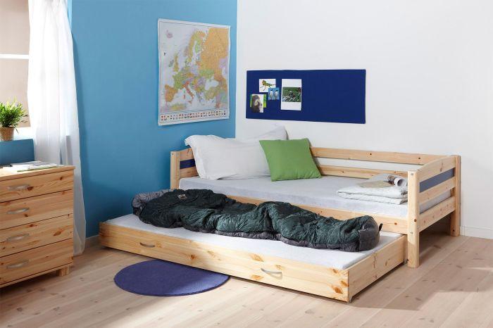 Нижняя часть выдвижной деревянной кровати не привязана к верхней, и может легко выдвигаться в любую сторону.