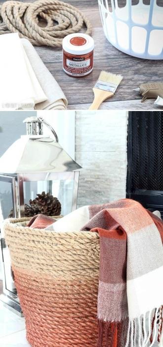 Корзина-органайзер для полотенец и покрывал, обтянутая разноцветной верёвкой.