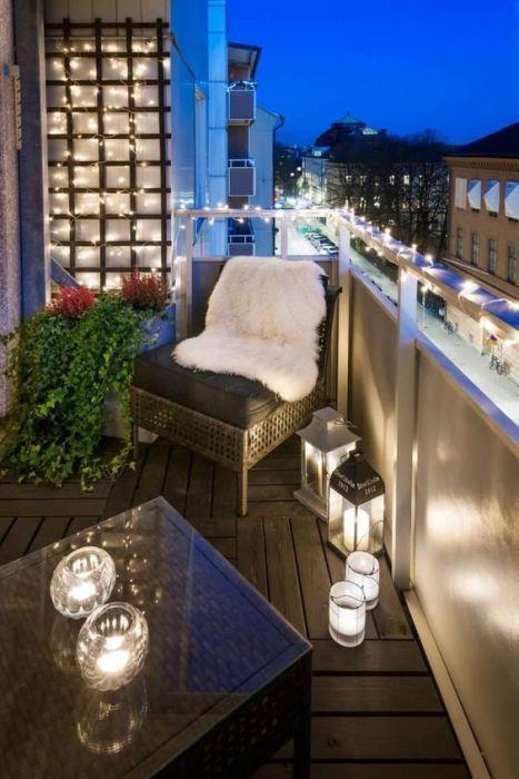 В современных многоквартирных домах можно всё чаще встретить традиционный открытый тип лоджии.