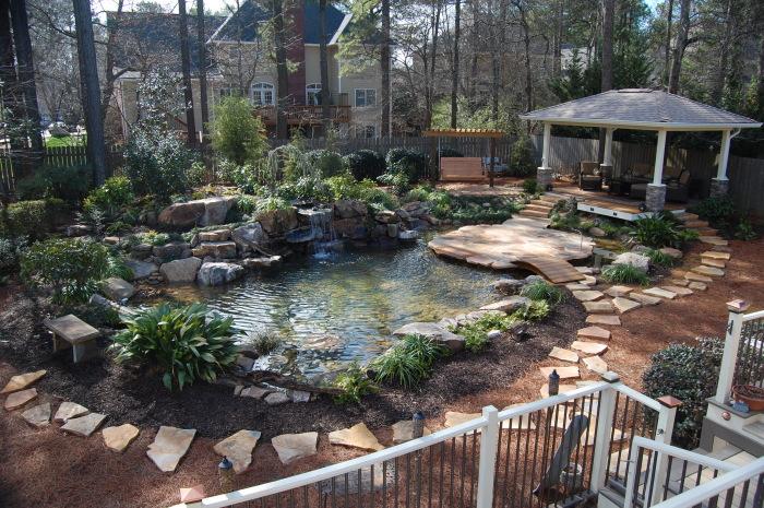 Потрясающие идеи, которые помогут обустроить декоративный водоем для садового участка.