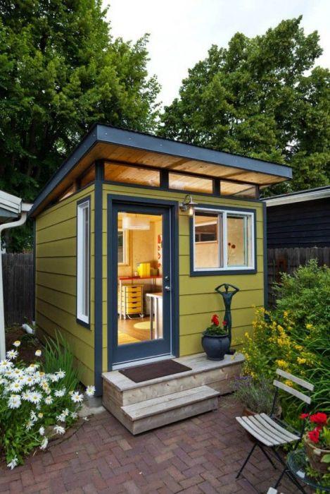 Индивидуальный проект небольшого деревянного домика, в котором всего одна комната.