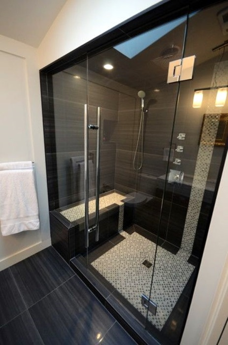 При правильном распределение места даже в самом маленьком помещении можно вместить душевую кабинку.