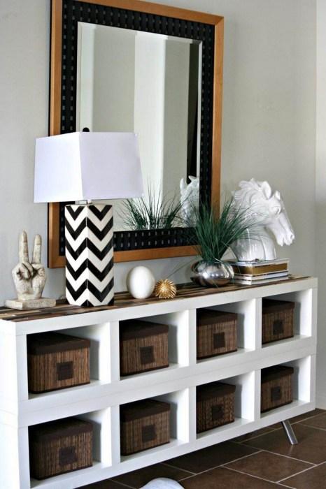 Модульный деревянный шкаф, который может разнообразить интерьер любого помещения.