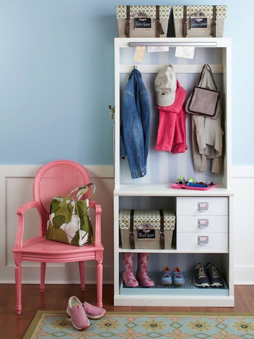 Шкаф для прихожей должен гармонично соответствовать общему стилистическому направлению квартиры.