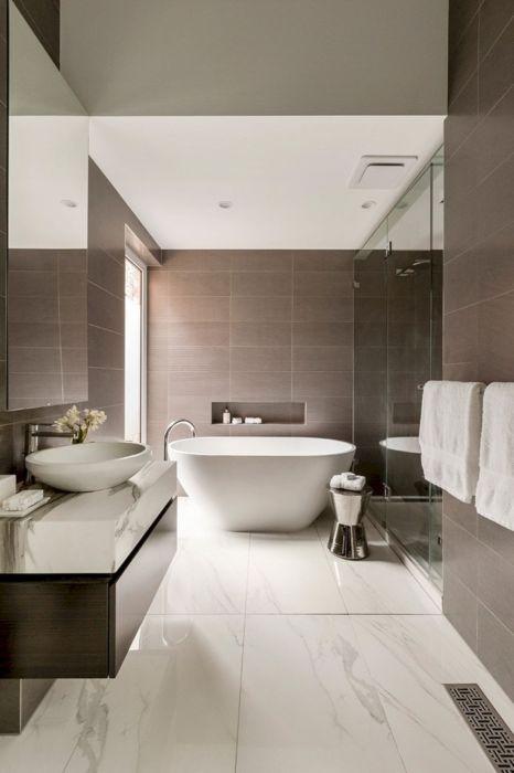 Светлые и темные оттенки, используемые в интерьере современных квартир, считаются среди профессиональных дизайнеров универсальными.