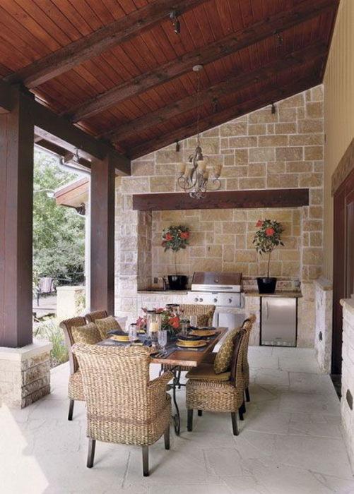Искусственный и натуральный камень для облицовки столешницы и других поверхностей.