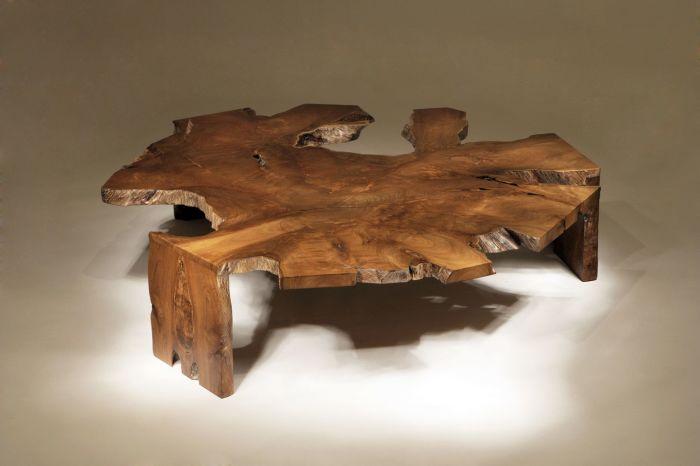 Дизайнерский стол из спила дерева, который можно изготовить своими руками.