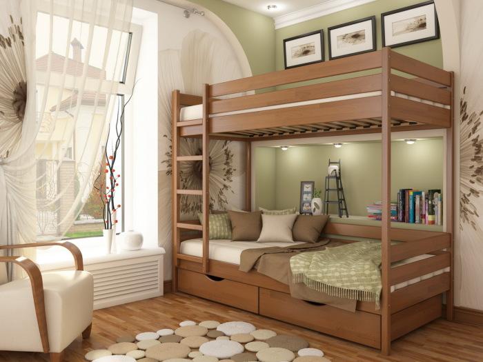 Двухъярусная кровать из натурального дерева с вмонтированными спотами.